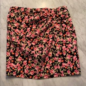 NWT Zara floral print skirt with ruching M